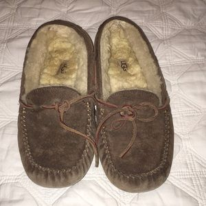UGG LEATHER Slippers with lamb skin inside